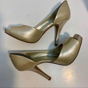 Jessica Simpson Ivory Pearlized Peep Toe Pumps
